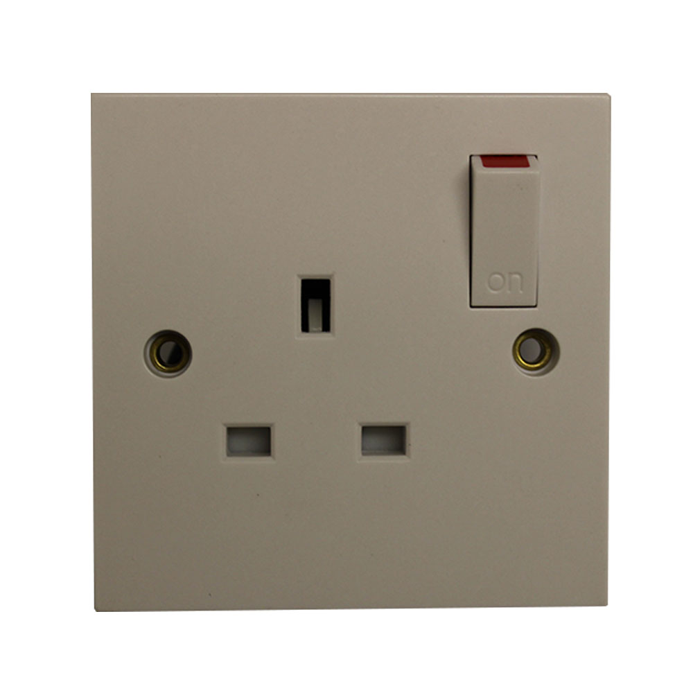 13A 1GANG SWITCHED SOCKET OUTLET