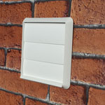 Kair Gravity Grille 125mm - 5 inch White External Ducting Air Vent with Round Spigot and Not-Return Shutters