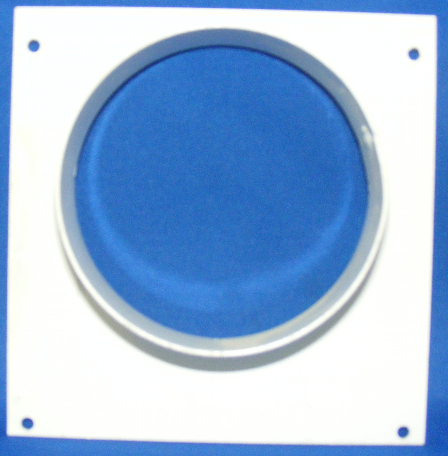 End Plate With Round Spigot